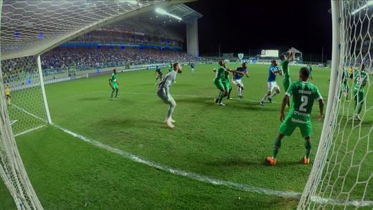 Henrique vê Cruzeiro mais leve após título e ressalta meta de chegar entre os primeiros no Brasileirão