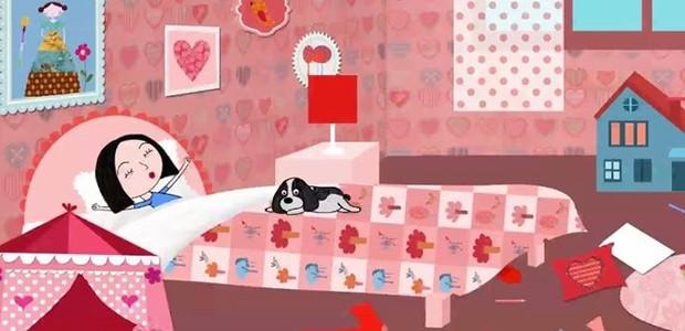Charlotte e o cãozinho Pelusso, dublado por Falabella: sem os óculos, o quarto como ele é, desarrumado (Foto: Divulgação)