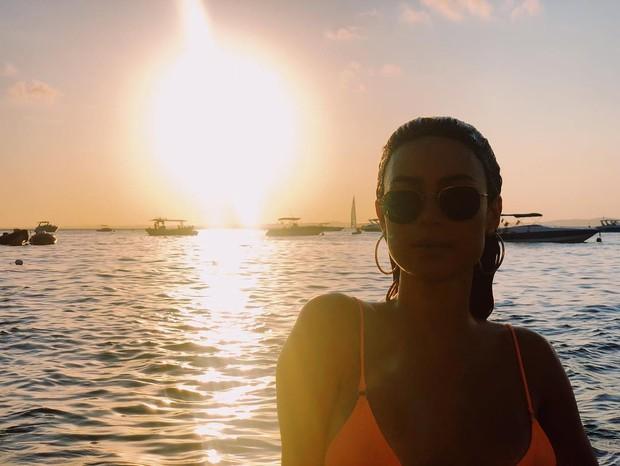 Thaila Ayala curte dia de praia durante viagem à Bahia (Foto: Reprodução/Instagram)