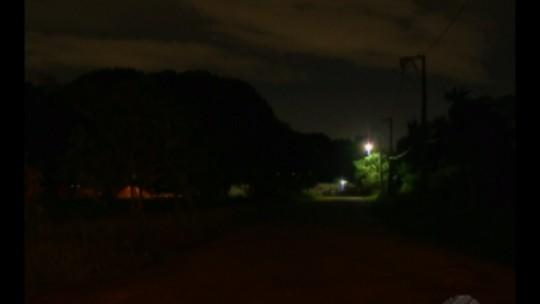 Com recurso da iluminação desviado, população de Marituba, no Pará, sofre com a escuridão