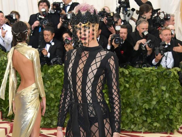 Eis os piores looks das celebridades na Met Gala 2018