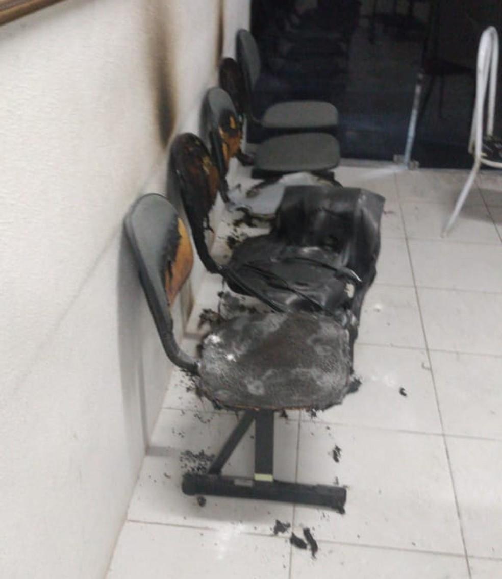 Incêndio na Câmara Municipal de Pindoretama é apagado por vigilante — Foto: Arquivo pessoal