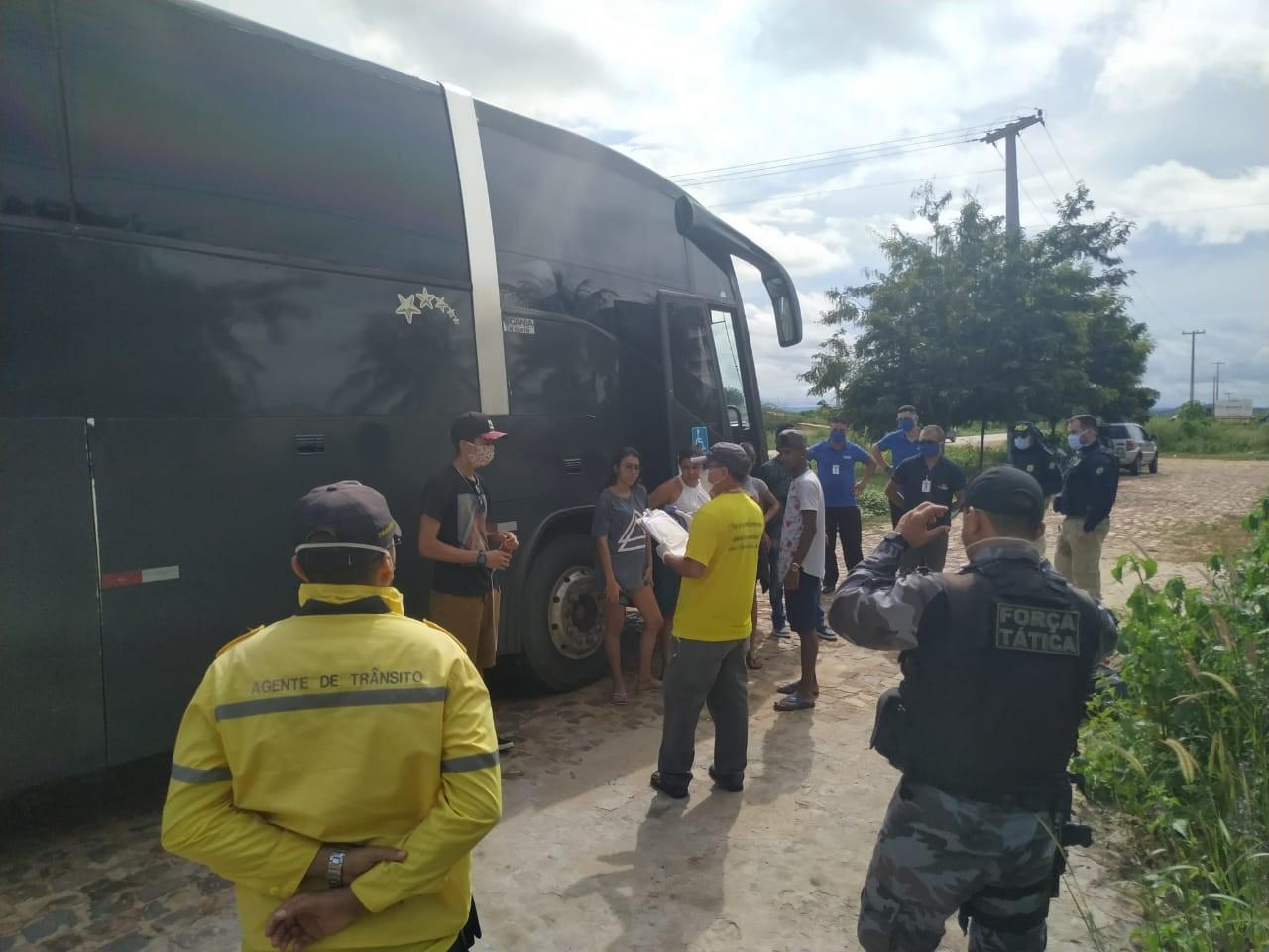 Prefeitura de Picos quer impedir entrada de ônibus clandestinos na cidade; 35 foram notificados