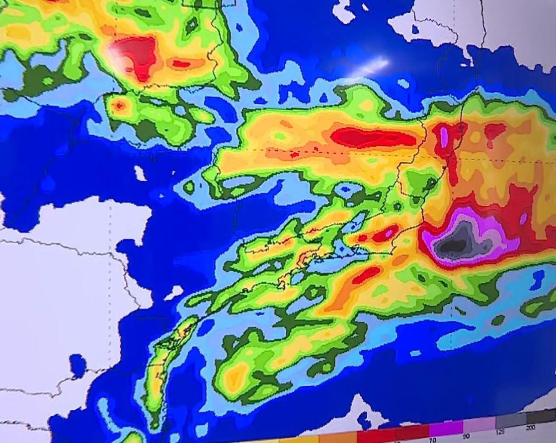 Minas Gerais tem fim de semana chuvoso, prevê Inmet