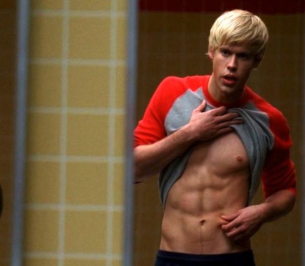 O ator e músico Chord Overstreet em cena da série Glee (Foto: Reprodução)