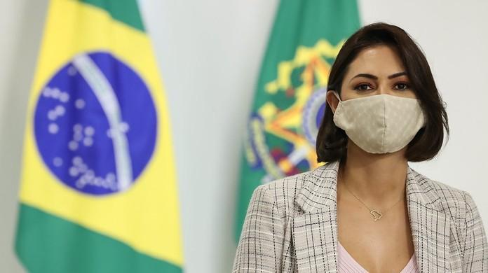Na UTI, avó de Michelle Bolsonaro deixa respirador mecânico após ...