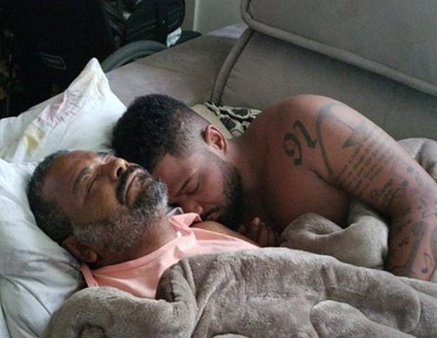 Arlindinho com o pai, Arlindo Cruz (Foto: Reprodução)