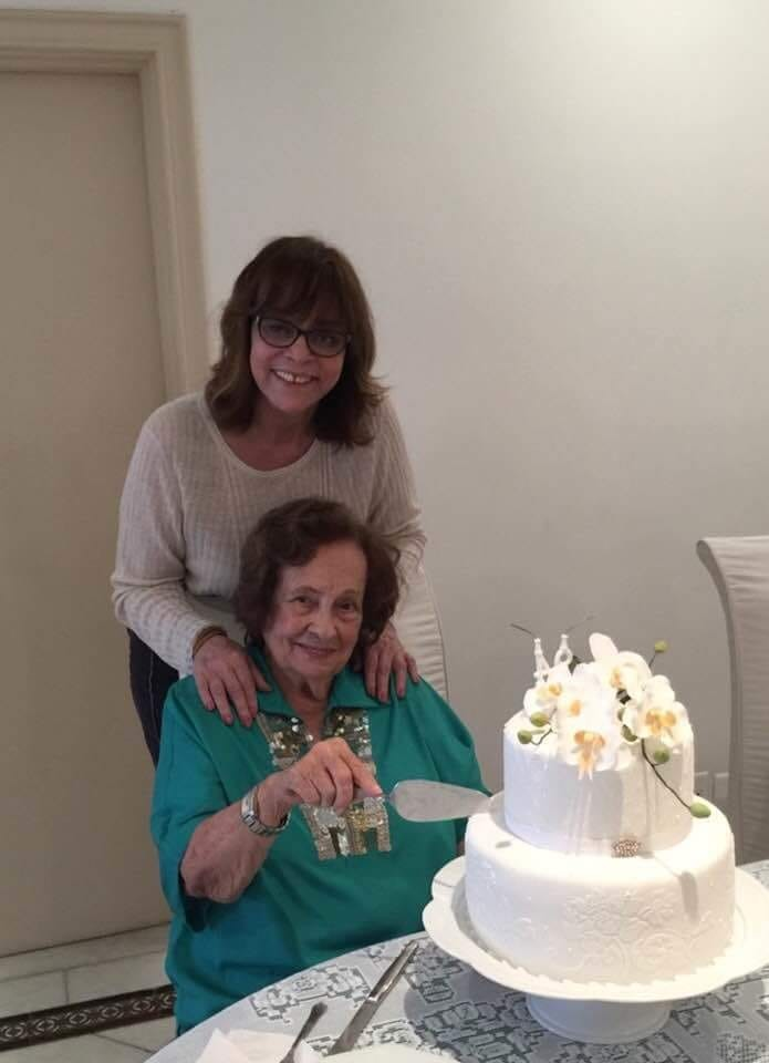 Gloria Perez e Dona Augusta (Foto: Reprodução/Facebook)