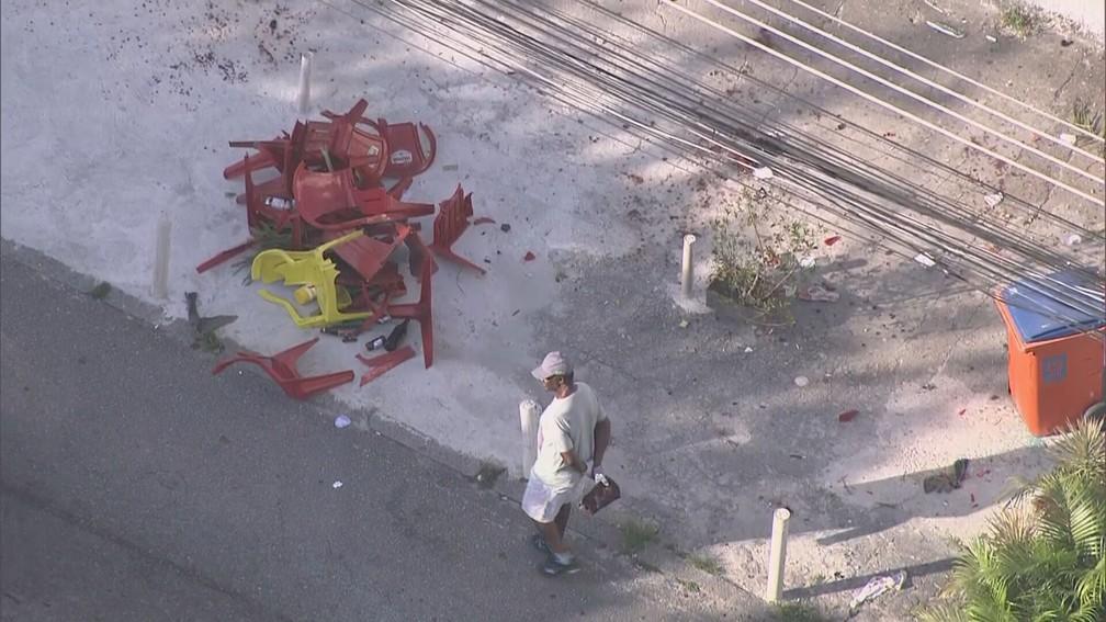 Vítimas estavam em bar e foram atingidas pelo veículo desgovernado — Foto: Reprodução/TV Globo