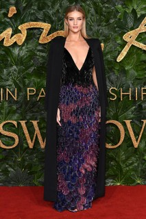 Rosie Huntington-Whiteley, de Givenchy