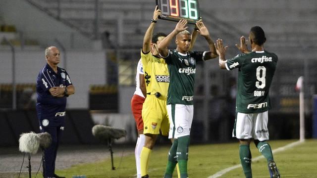 RB Brasil x Palmeiras - Deyverson substitui Borja
