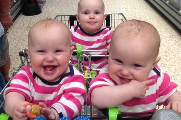 Ffion, Maddison e Paige são muito parecidas (Foto: Reprodução Mirror)