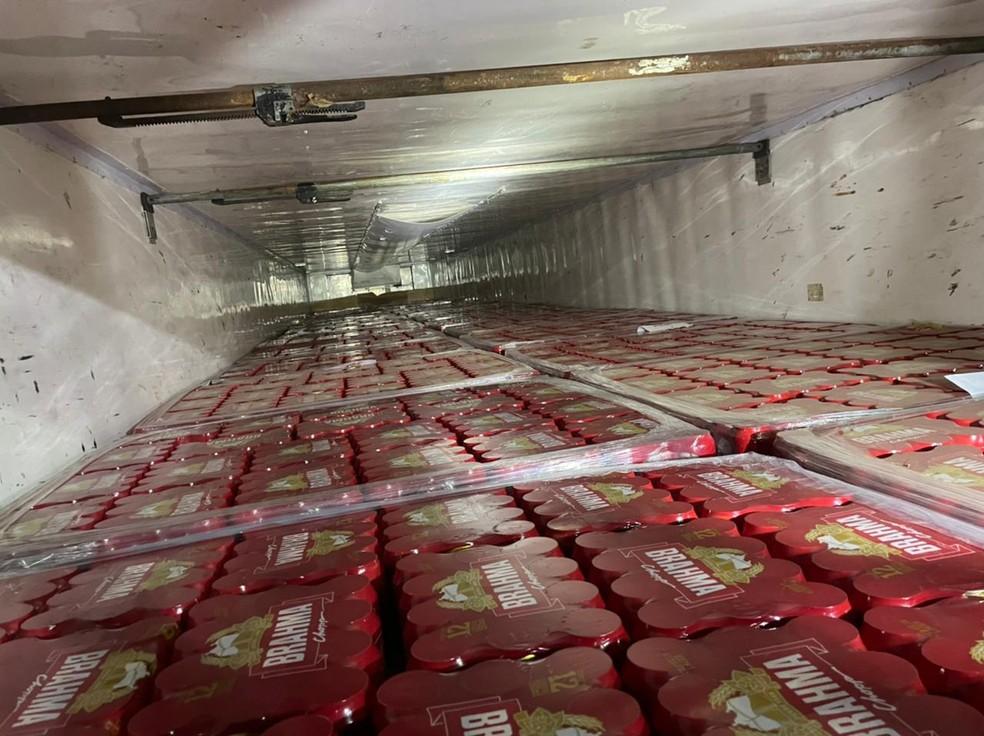 Carga de cervejas não tinha recolhimento de ICMS e foi apreendida em operação da Secretaria de Tributação com a PRF — Foto: Divulgação