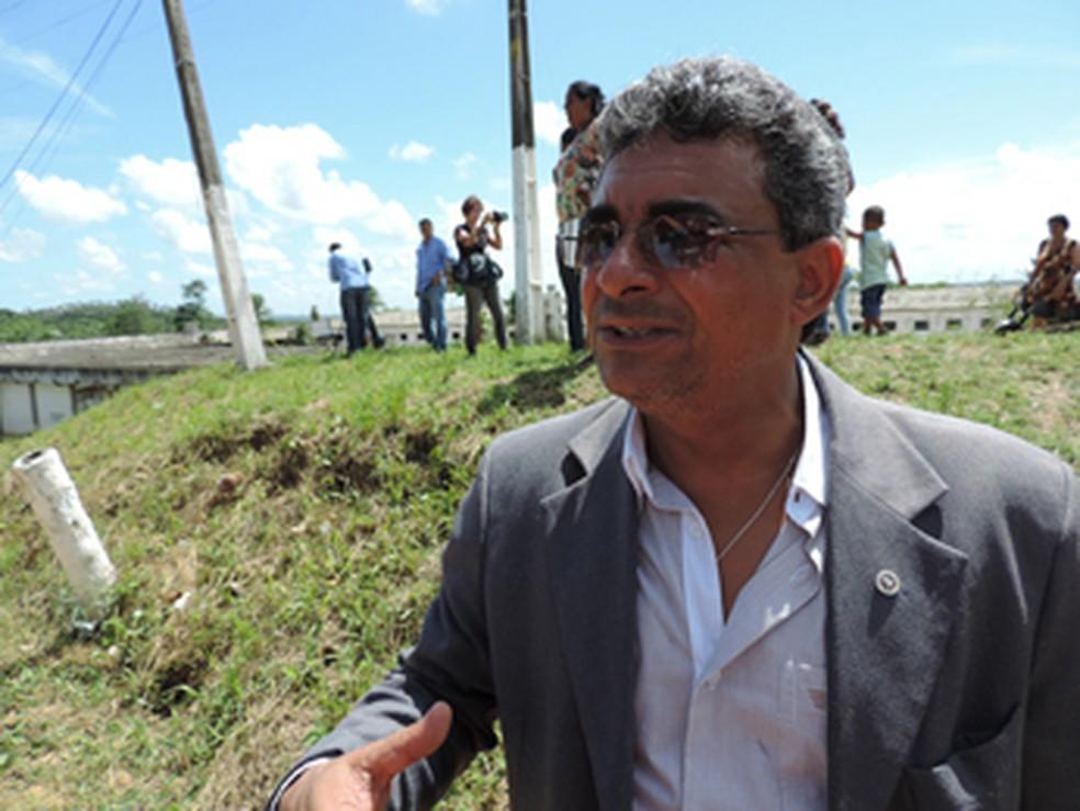 Promotor prestou queixa do assalto na Delegacia da Primeira Circunscrição, no Bairro do Recife (Foto: Katherine Coutinho/G1)