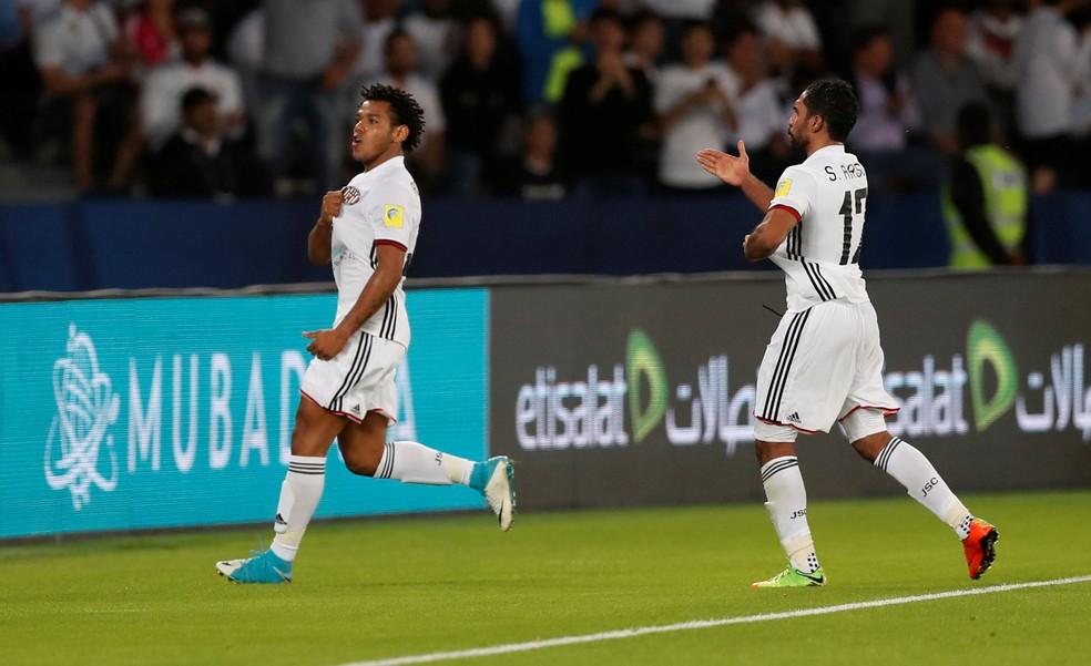 Romarinho aproveitou espaços cedidos pelo  Real Madrid (Foto: Reuters)