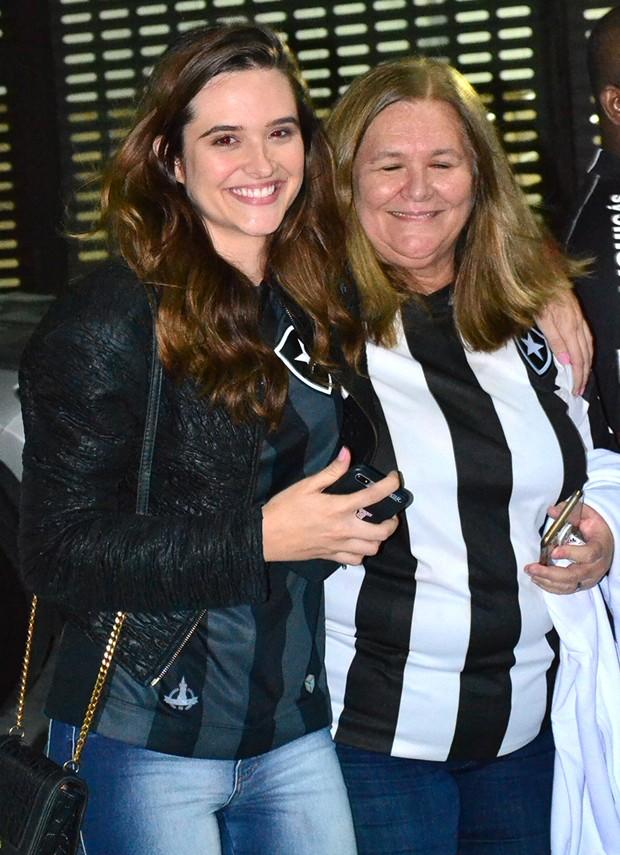 Juliana Paiva e a mãe, Maria Cristina (Foto: AgNews)