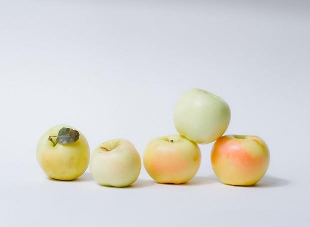 Ensaio fotográfico com maçãs (Foto: William Mullan/ The New York Times/ Reprodução)