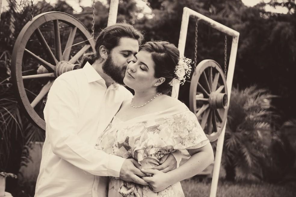 Taciana e Rodolfo: mais um casal separado pela falta de visto — Foto: Reprodução/Arquivo pessoal