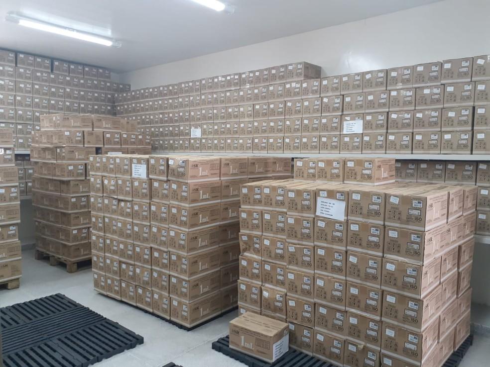 Seringas disponíveis para vacinação da Covid-19 no estoque da Secretaria de Estado da Paraíba (SES) — Foto: SES-PB/Divulgação