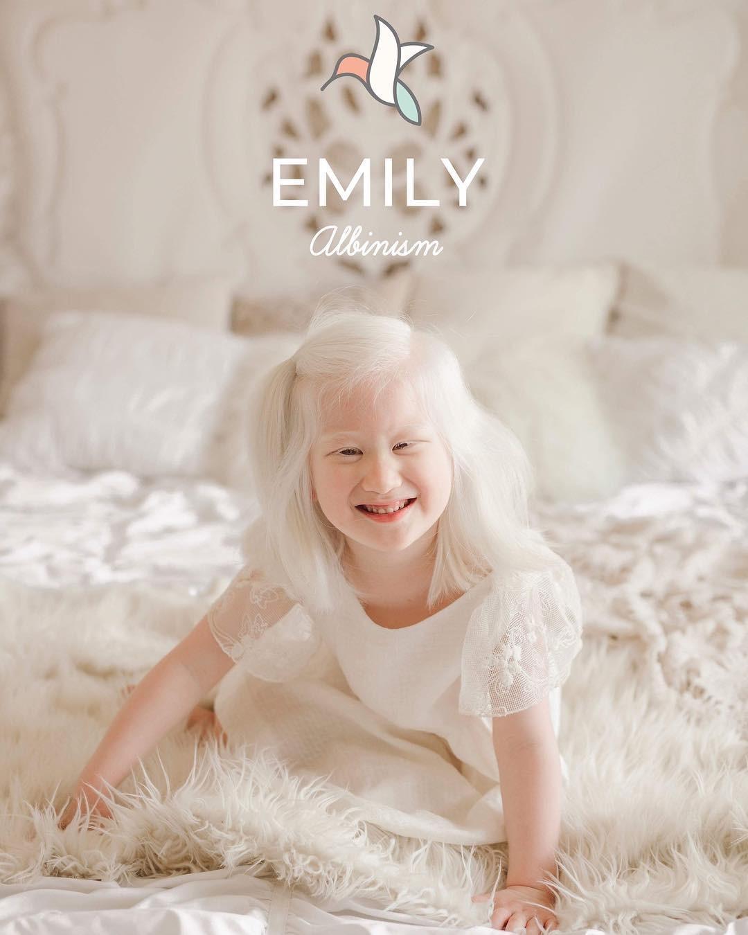 Emily (Foto: Reprodução/Instagram Sweet Nectar Society)