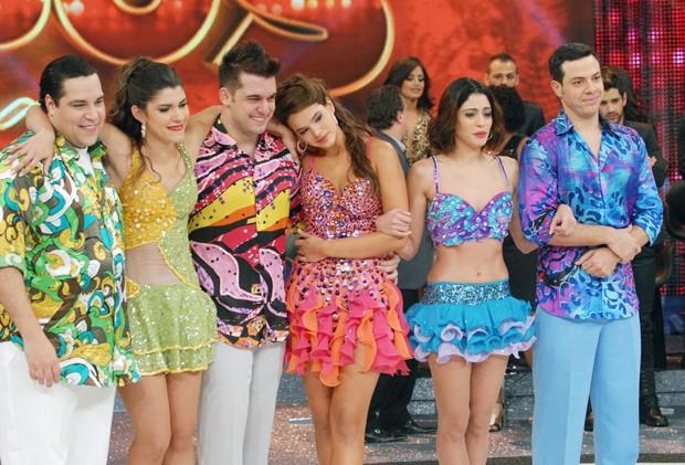 Tiago Abravanel, Bruna Marquezine e Carol Castro na Dança dos Famosos (Foto: TV Globo/Zé Paulo Cardeal)