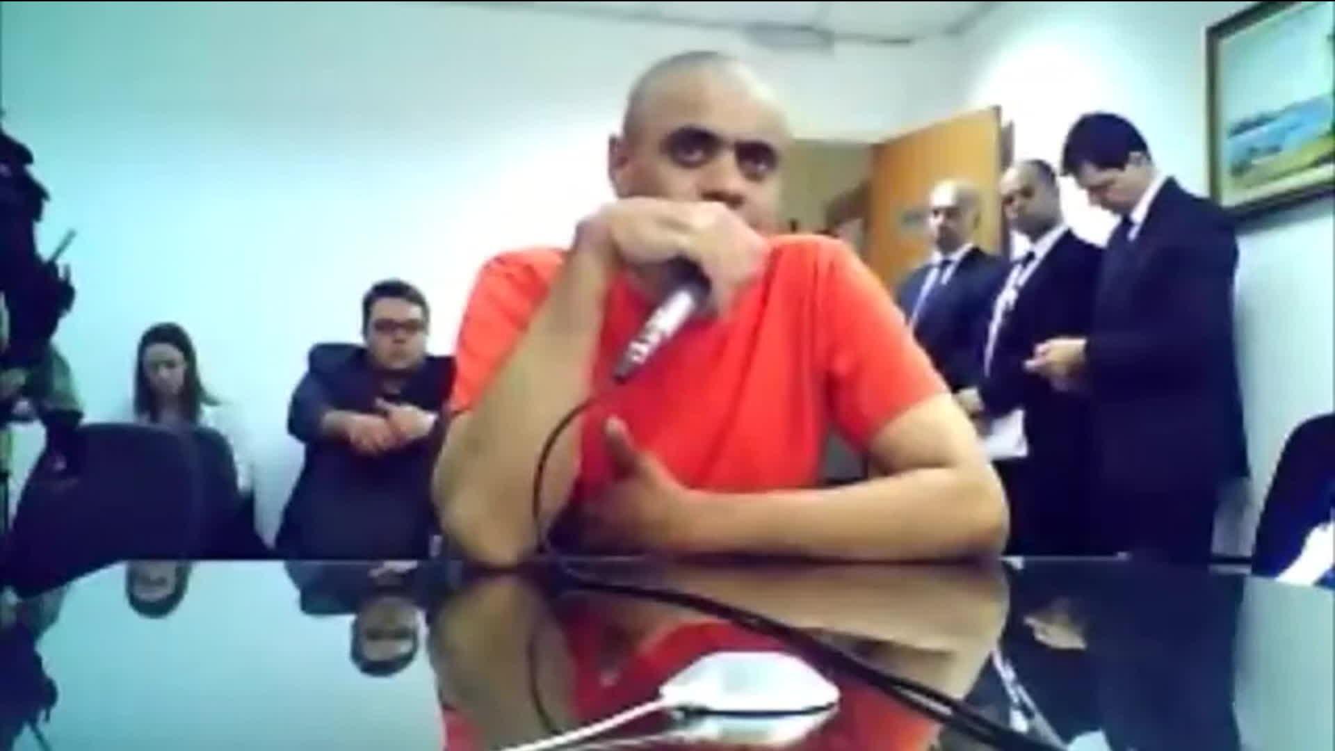 Juiz dá sentença e converte prisão preventiva de Adélio Bispo em internação provisória - Notícias - Plantão Diário