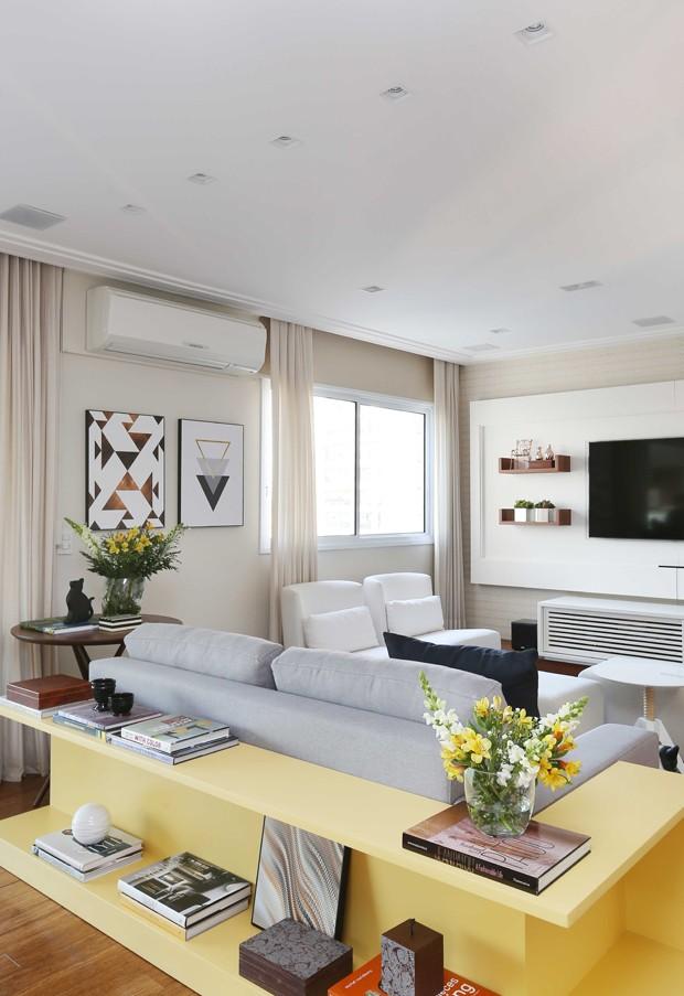 10 salas com aparador de sofá (Foto: Mariana Orsi)