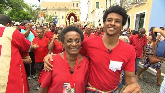 Estreia de 'Festas Populares' mostra a relação de uma devota com Santa Bárbara