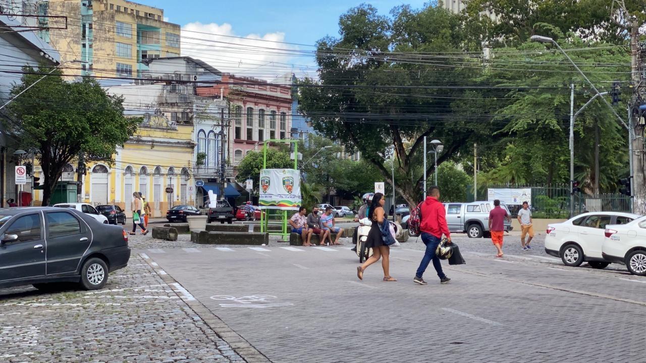 Em um mês, apenas metade da população do AM respeitou medida de isolamento social decretada pelo governo