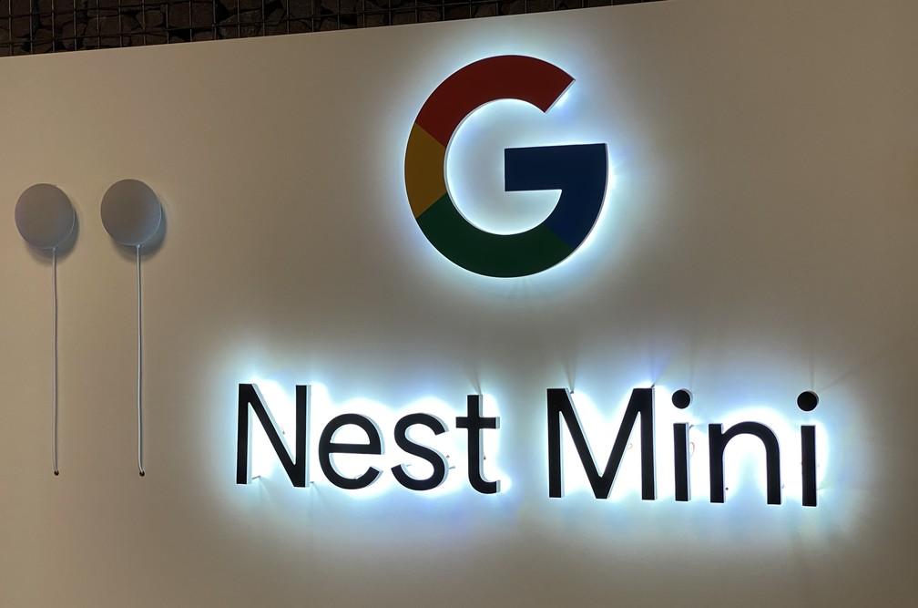 Nest Mini é o segundo hardware que o Google traz para o Brasil, depois do Chrome Cast. — Foto: Thiago Lavado/G1