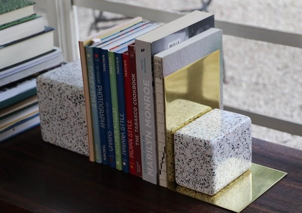 Aparador de livros da coleção (Foto: Divulgação)