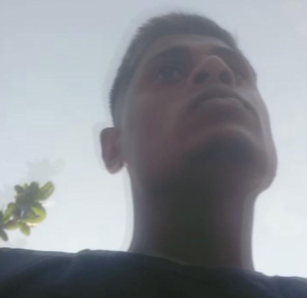 Lucas afirma que gravou abordagem porque aquele foi o 4º 'enquadro' que levava este ano em Santos, SP — Foto: Reprodução