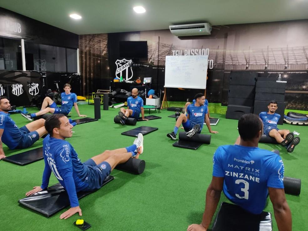 Jogadores do Bahia treinam na academia — Foto: Rafael Machaddo/ Divulgação/ ECBahia