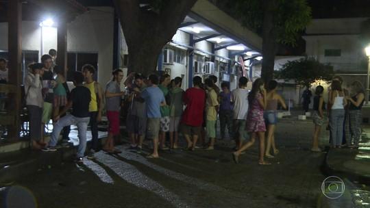 Estudantes ocupam prédio da Unirio, na Urca, contra PEC 241