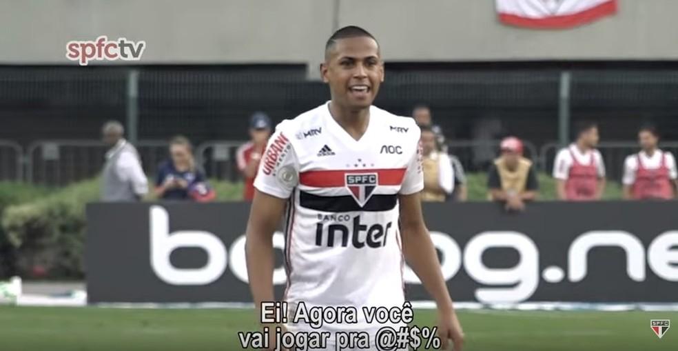 Bruno Alves dá força a Antony durante o jogo do São Paulo — Foto: Reprodução