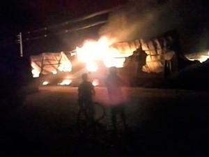 Duas pessoas morrem em incêndio em fábrica de Juazeiro, na Bahia (Foto: Imagem/ TV São Francisco)