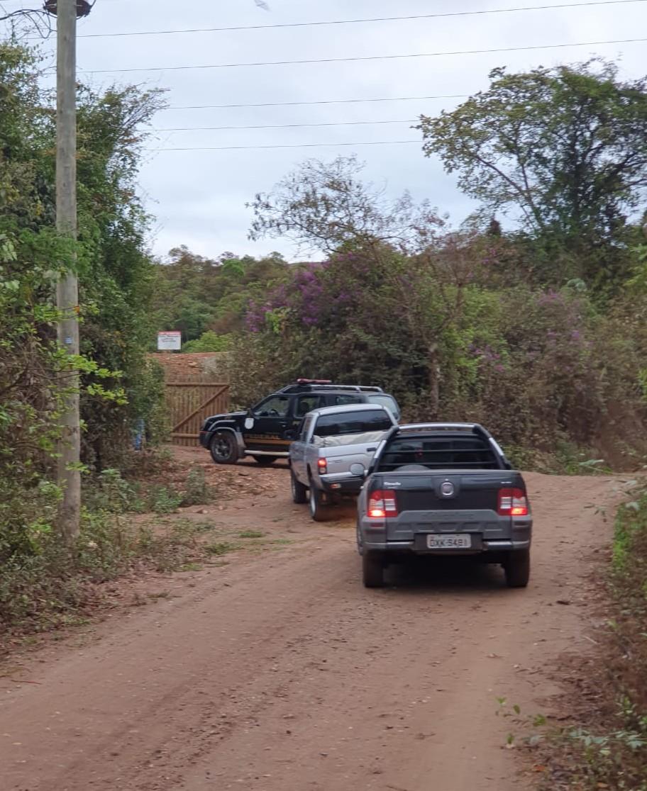 Polícia Federal faz buscas em empresas suspeitas de fazer extração ilegal de minério de ferro, na Grande BH