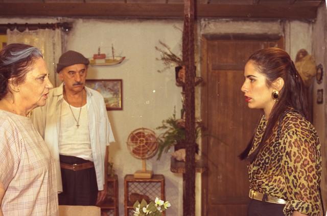 Em 'Mulheres de areia', Glória teve dois dos maiores papéis de sua carreira: as gêmeas Ruth e Raquel (Foto: Divulgação/TV Globo)