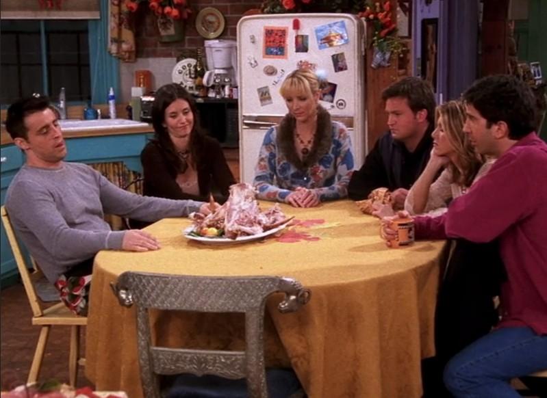 O ator Matthew Perry com seus colegas de elenco em Friends (Foto: Reprodução)