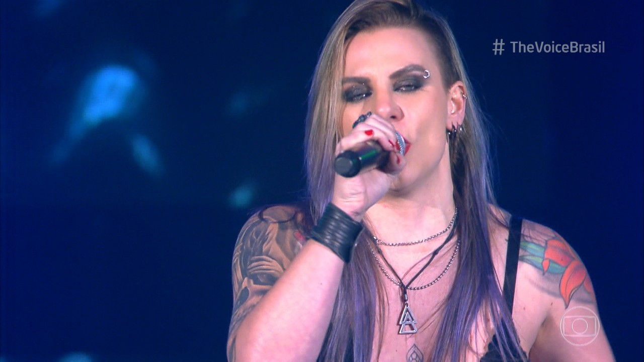Angel Sberse canta 'Welcome To The Jungle'