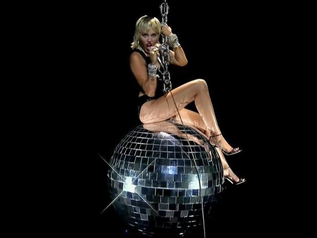 Miley Cyrus se apresenta no VMA 2020 (Foto: Reprodução/ Twitter)