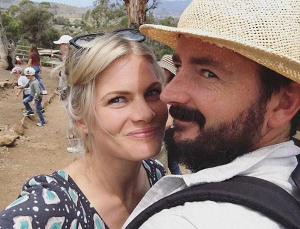 Atriz australiana Bonnie Sveen e seu marido, Nathan (Foto: Reprodução/Instagram)