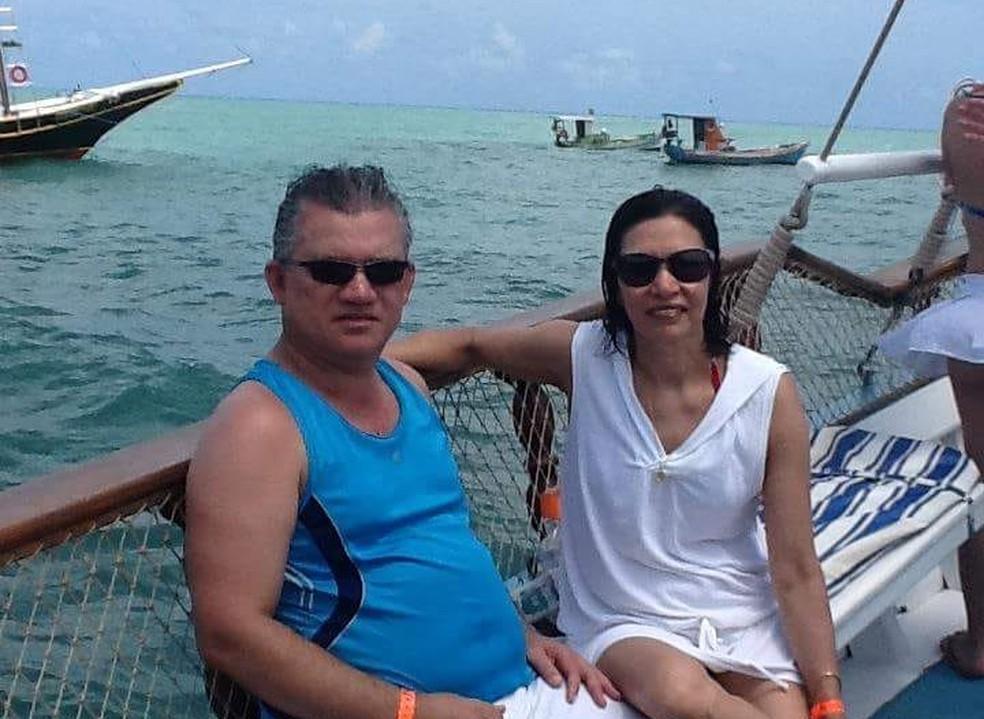 Denirson Paes e a esposa, Jussara Paes (Foto: Reprodução/Facebook)