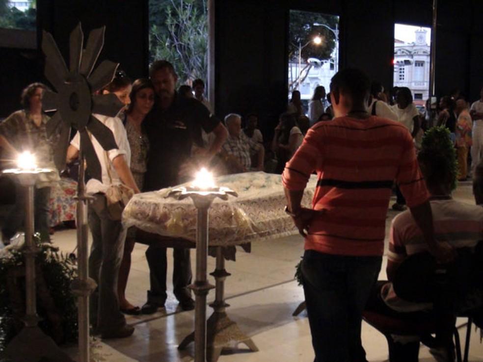 Augusto Omolú é velado no TCA, na Bahia — Foto: Ida Sandes/G1 BA