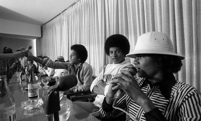 Michael Jackson durante entrevista coletiva com o grupo Jackson Five, no Hotel Nacional