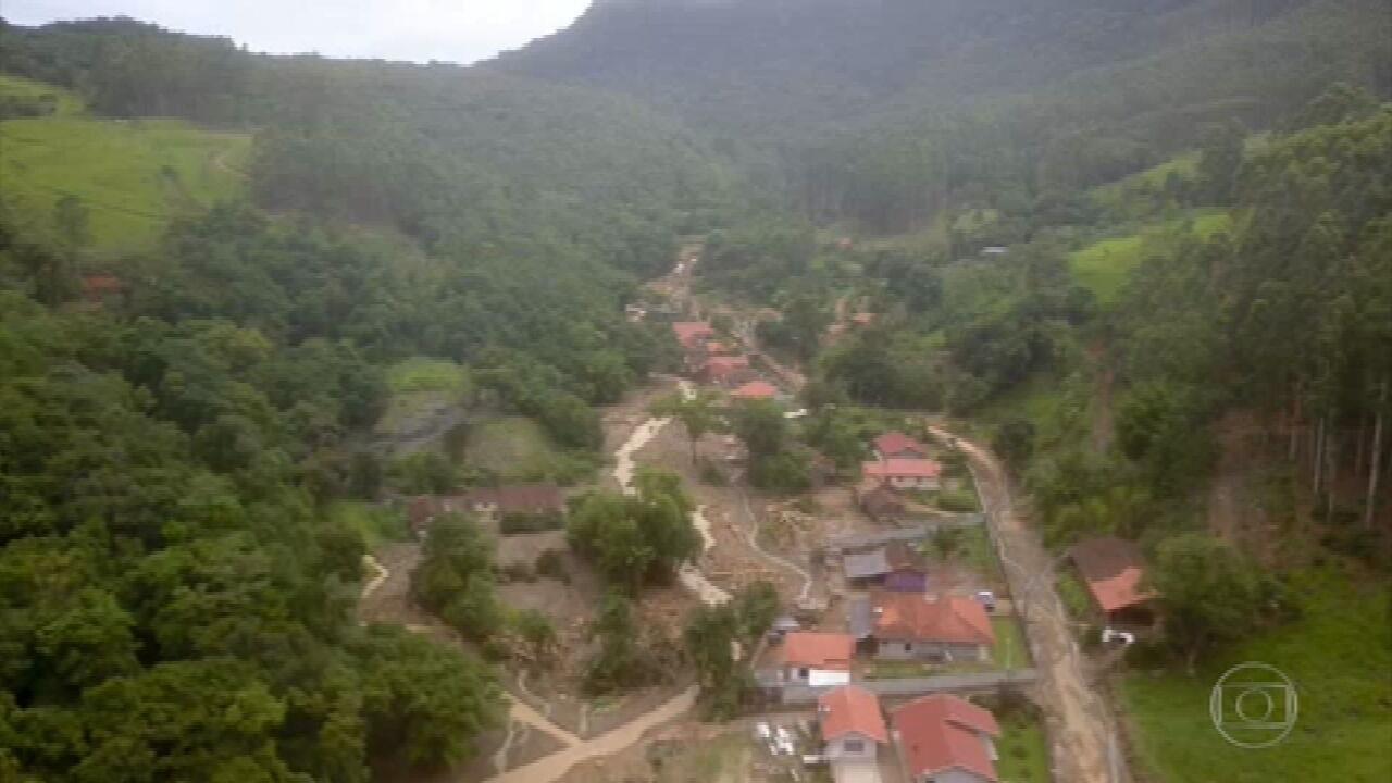 Mortos na enxurrada são velados em Santa Catarina