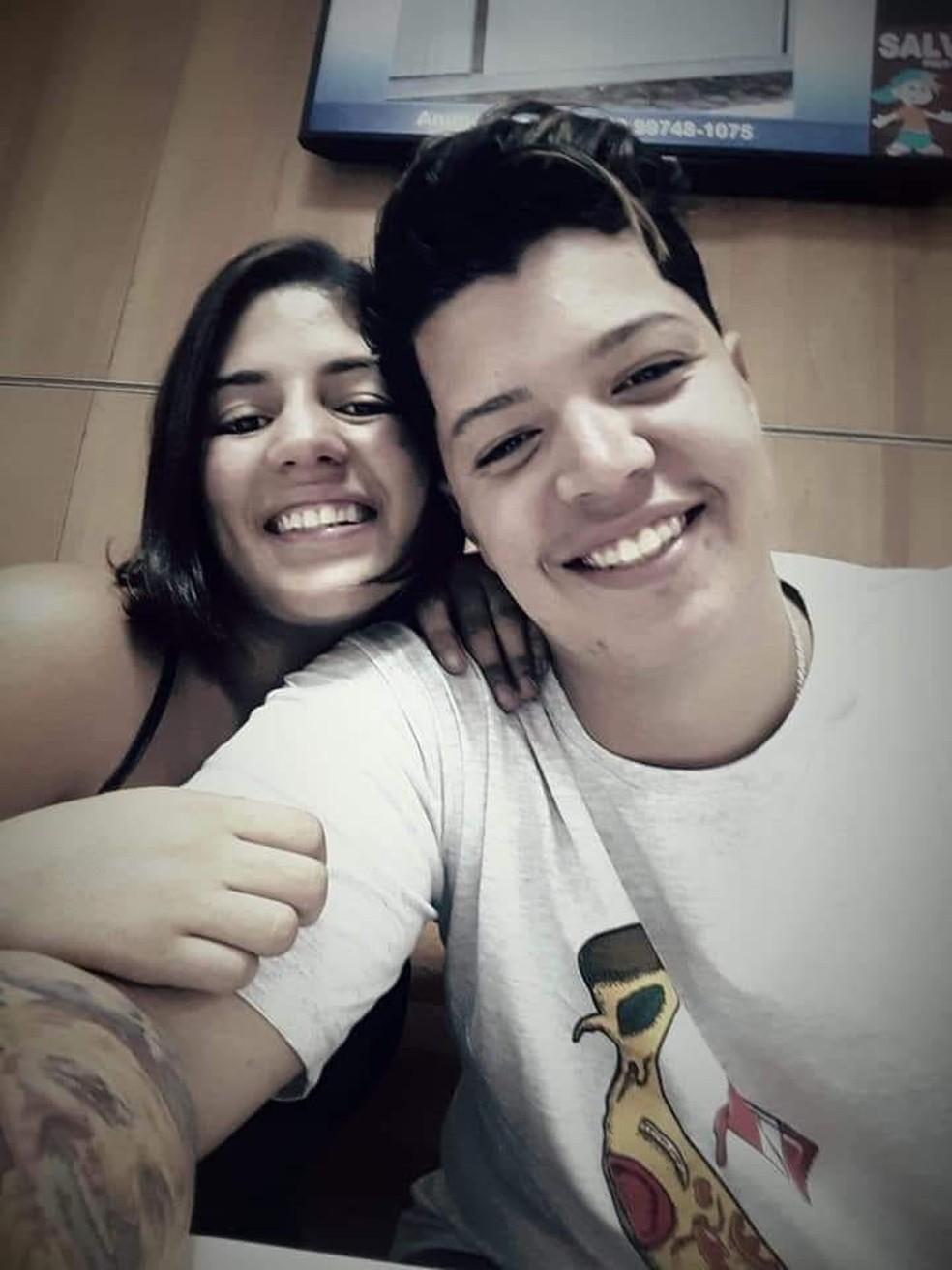 Renan e Luiza eram naturais de Cabo Frio, no RJ — Foto: Reprodução/Facebook