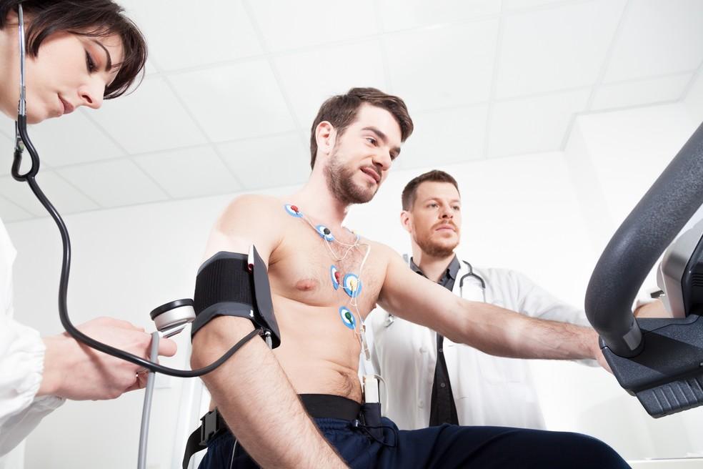 Avaliação médica periódica é fundamental para atletas e não atletas (Foto: iStock Getty Images)