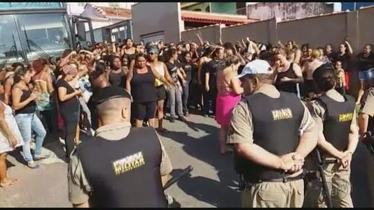 Manifestação contra privatização das águas reúne mulheres na sede da Nestlé em MG