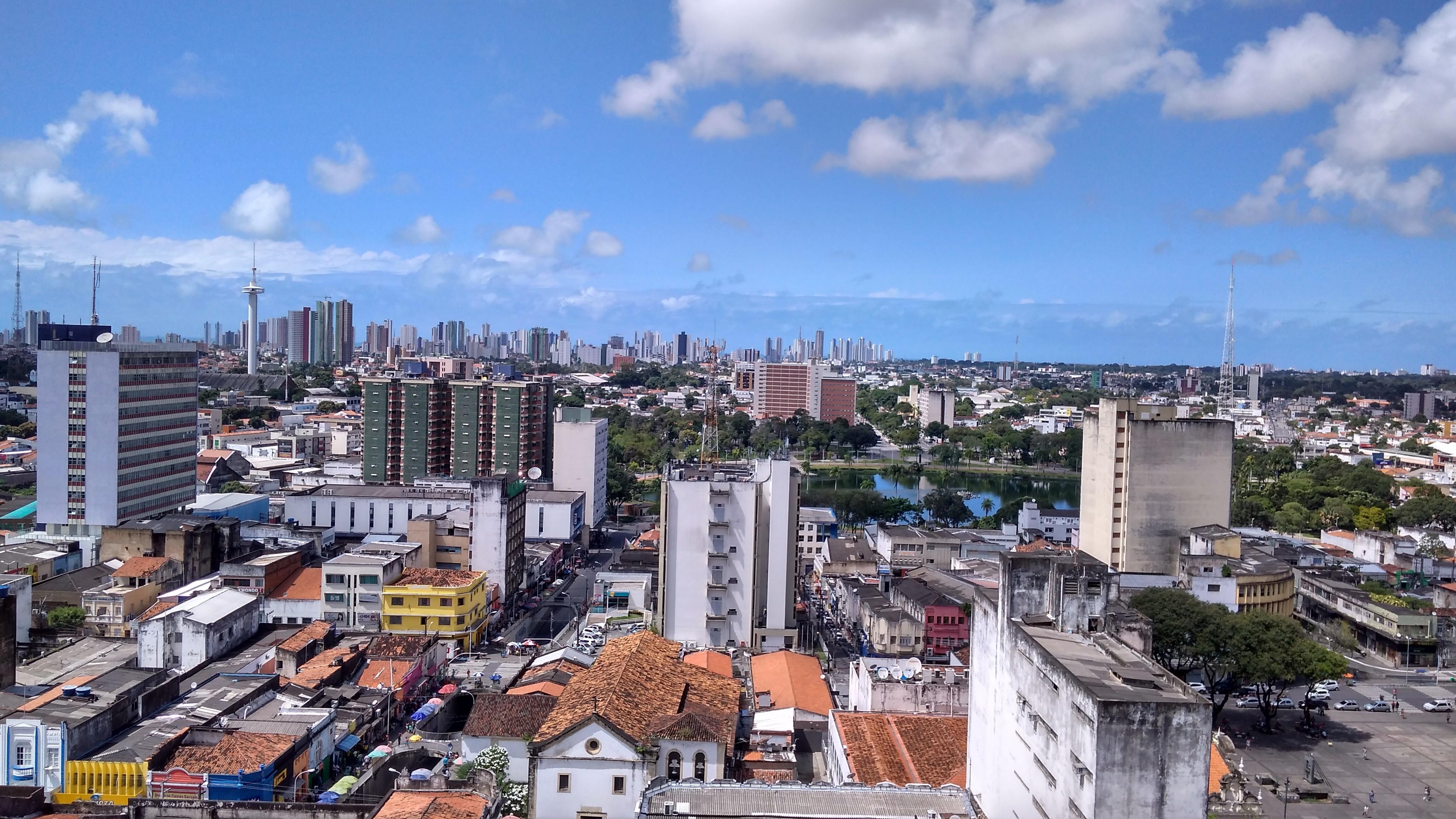 MP investiga suposto aumento de casos de câncer causados por antenas em prédio de João Pessoa